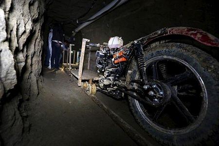 Cửa đường hầm bên ngoài nhà tù Altiplano mà Guzman dùng để đào tẩu. (Nguồn: