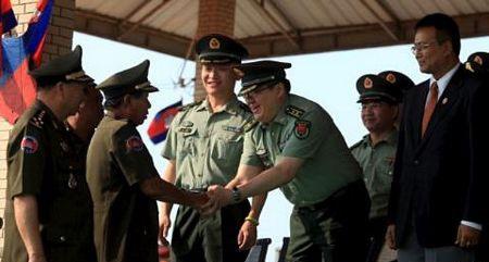 Bộ trưởng Quốc phòng Campuchia Tea Banh (