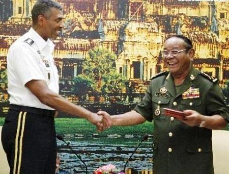 Tướng Pol Saroeun (
