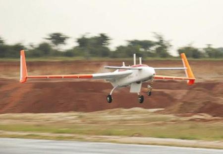 Chiếc Rustom-1 thực hiện chuyến bay thử nghiệm thành công.