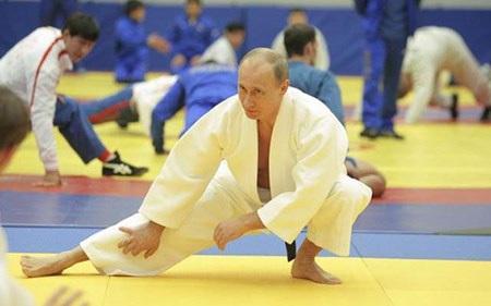Ông chủ Điện Kremlin luyện tập judo.