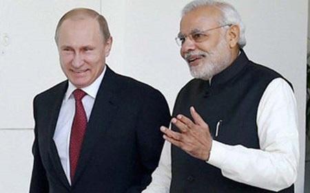 Tổng thống Putin (trái) đã gặp gỡ và hội đàm với Thủ tướng Modi (