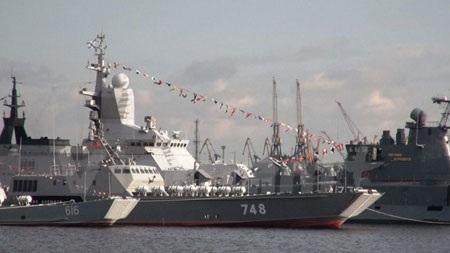Các chiến hạm Nga tại triển lãm IMDS 2015.