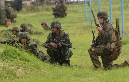 Binh sĩ Mỹ và Philippines trong một cuộc tập trận chung. (Ảnh