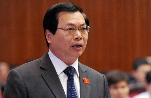 Bộ trưởng Công Thương Vũ Huy Hoàng là thành viên Chính phủ đầu tiên trả lời chất vấn kỳ này.