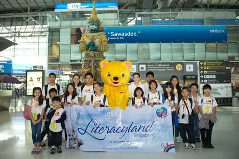 Du lịch và tham gia hội trại tiếng Anh cũng là 1 giúp các em tự tin giao tiếp tiếng Anh