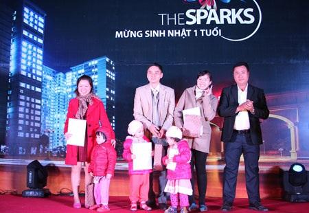 Đã có hàng ngàn sổ hồng được trao cho các hộ gia đình khu đô thị The Sparks