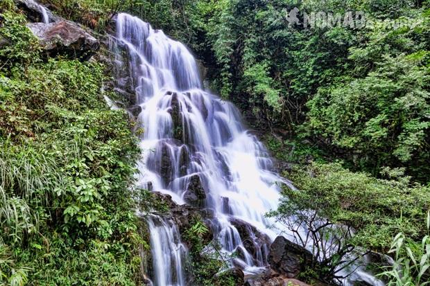 ... và chiêm ngưỡng vẻ đẹp tuyệt vời của nhiều thác nước khác nữa.