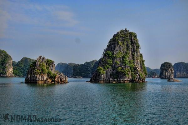 Với những người đã từng đi du lịch Việt Nam, không ai có thể quên được thắng cảnh Vịnh Hạ Long.