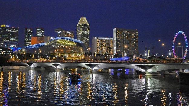 Singapore là nơi thu hút tài năng nước ngoài.