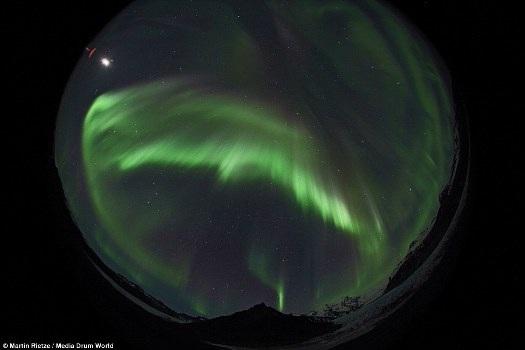 Công viên quốc gia Skaftafell của Iceland trở nên kỳ ảo trước ống kính của Rietze