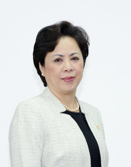 Bà Bùi Như Ý - Phó Tổng Giám đốc VietinBank tham luận tại hội thảo