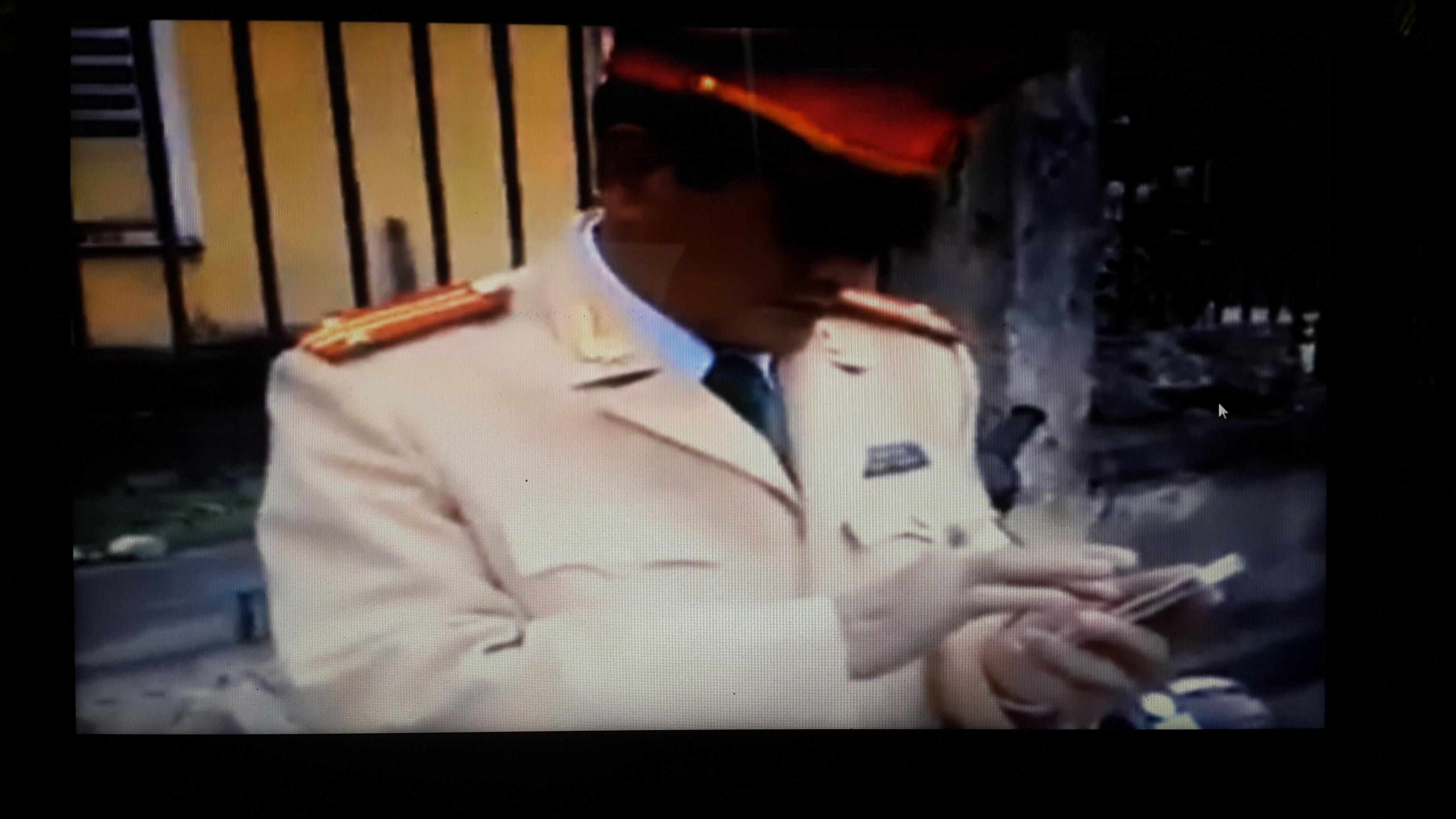 Cán bộ CSGT Quận Ngô Quyền trong sự việc ( ảnh cắt từ clip)