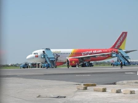 Chuyến bay cất cánh đầu tiên vào sáng nay tại sân bay Cát Bi sau sự cố hôm qua