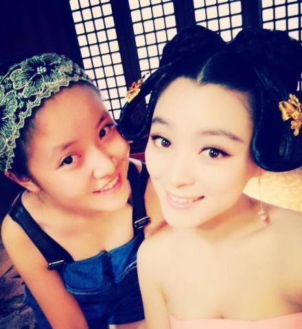 Nhờ sự nổi tiếng chớp nhoáng này, Fan Ye đã bắt đầu nhận được những lời mời đóng phim, chụp hình.