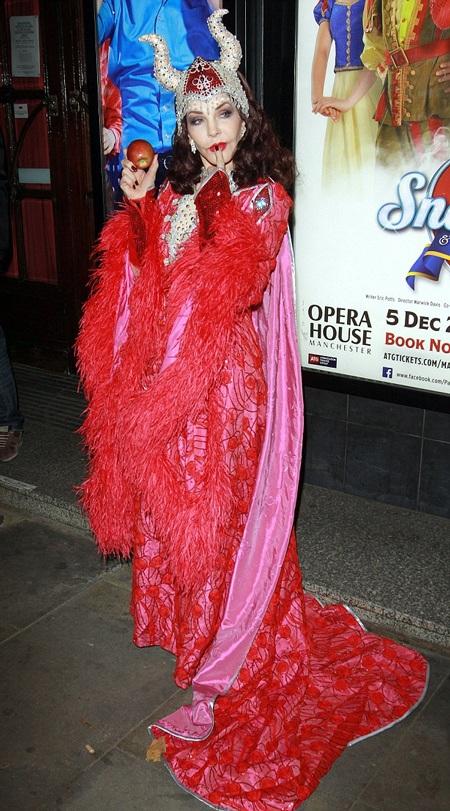 Vợ cũ của giọng ca nổi tiếng Elvis Presley thử sức trong các lĩnh vực đóng kịch hay phim ảnh.
