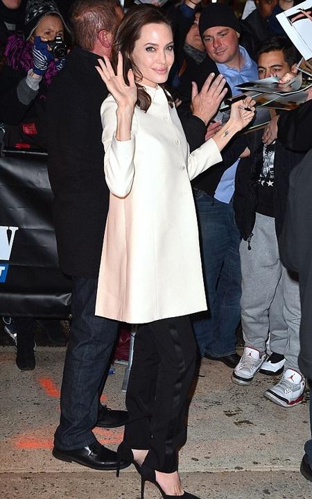 Angelina Jolie đang bận rộn với kế hoạch giới thiệu bộ phim