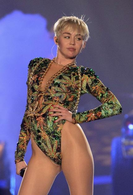 Miley Cyrus lần đầu nhận được đề cử Grammy dành cho Album nhạc Pop