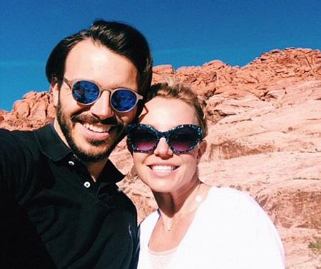 Charlie khen Britney là người phụ nữ có trái tim rộng mở