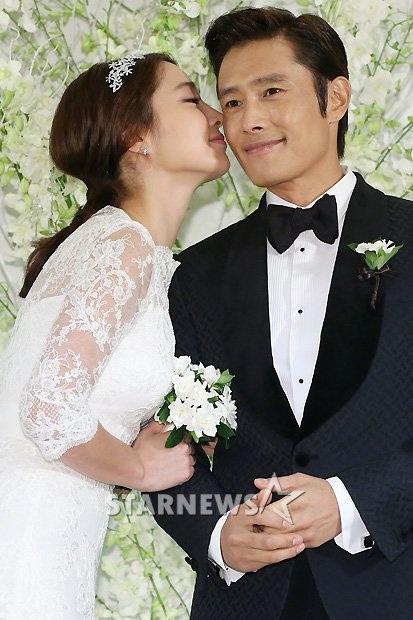 Lee Min Jung và Lee Byung Heon làm đám cưới vào năm 2013