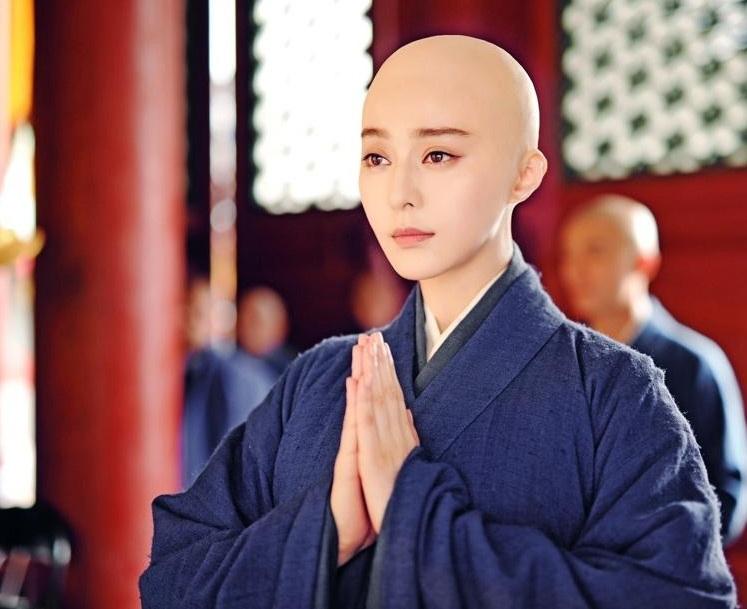 Những cảnh phim xuống tóc và làm ni cô của Phạm Băng Băng trong