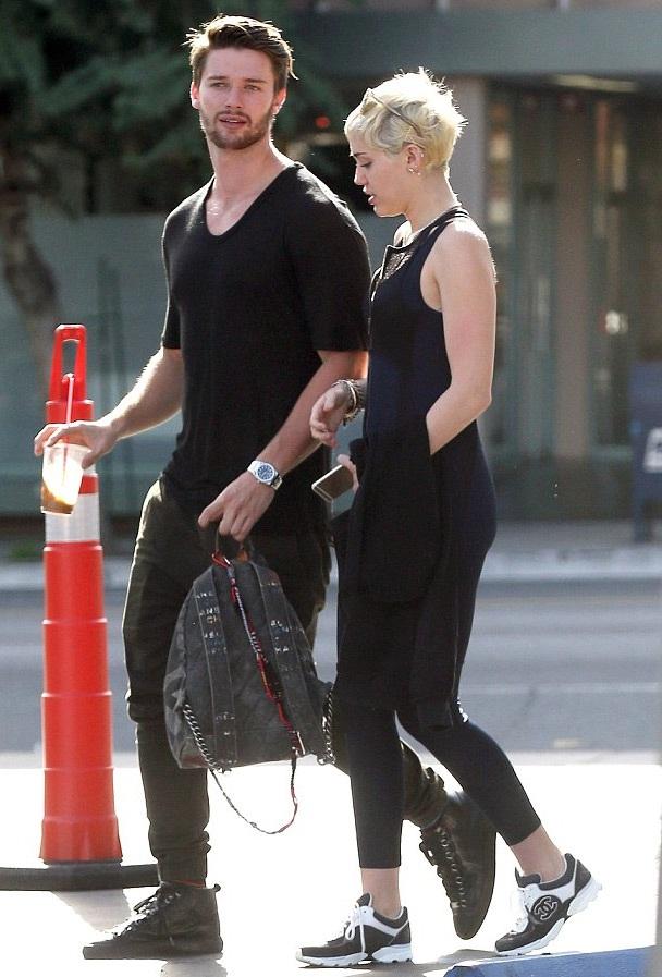 Miley và Patrick đang là cặp tình nhân trẻ hot tại Hollywood.