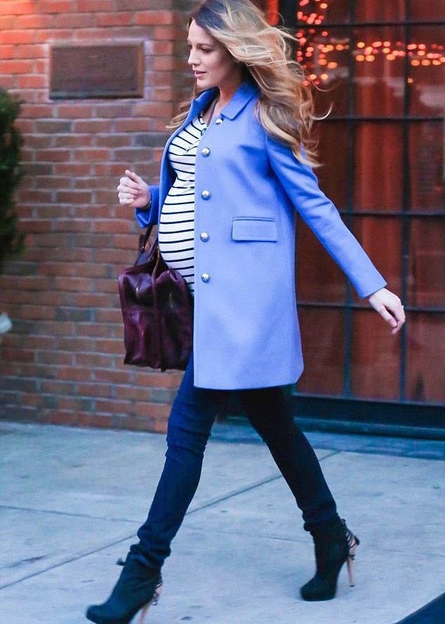 Blake Lively vẫn rất sành điệu khi mang bầu.