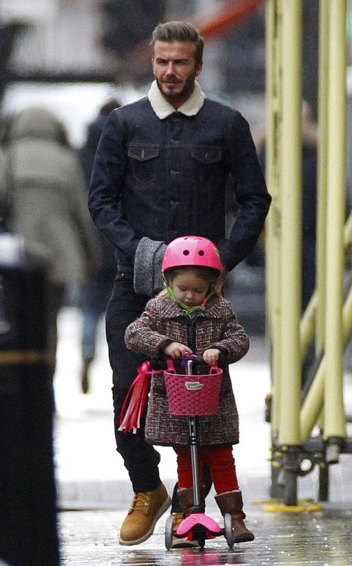 Hình ảnh ngọt ngào của David Beckham và con gái