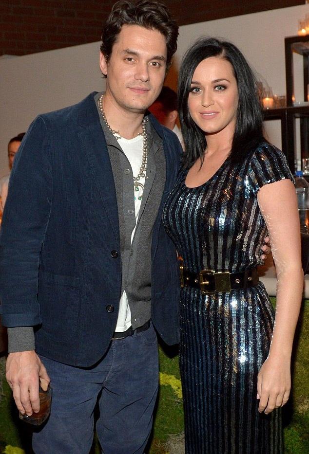 John và Katy Perry đã hỏi ý kiến chuyên gia tâm lý trước khi nối lại quan hệ vào đầu tháng 1/2015.