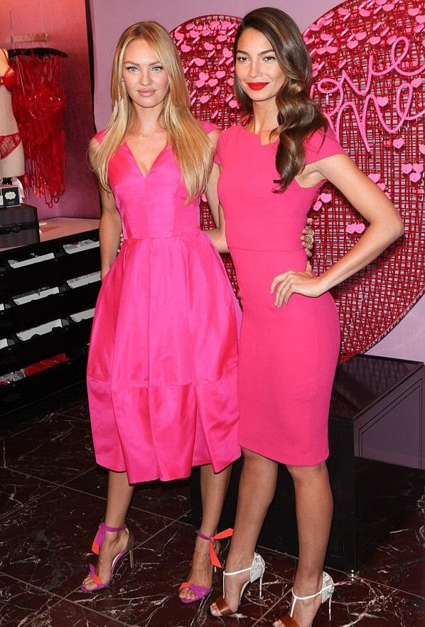 Candice Swanepoel và Lily Aldridge đều chọn tông hồng trẻ trung cho sự kiện tại New York.