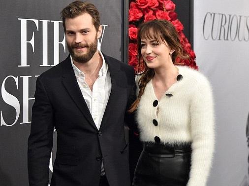Cả hai trông rất đẹp đôi và là tâm điểm của buổi ra mắt bộ phim 50 sắc thái tình dục.