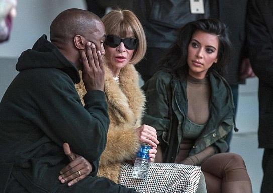 Bà tổng biên tập tờ Vogue - Anna Wintour rất thân thiết với vợ chồng Kim.