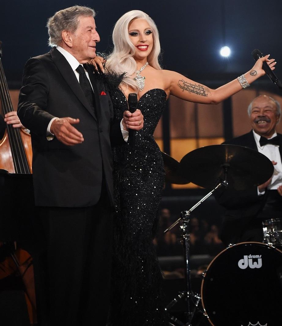 Lady Gaga và Tony Bennett cùng khoe giải Grammy