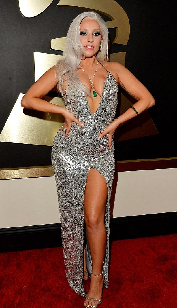 Lady Gaga gợi cảm hết cỡ bên huyền thoại Tony Bennett