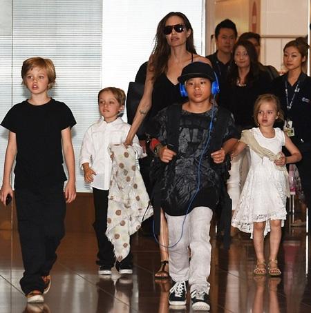 Brad Pitt và Angelina Jolie luôn làm tốt vai trò của cha mẹ