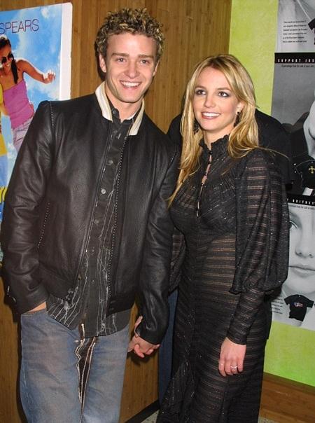 Britney từng có chuyện tình tiêu tốn nhiều giấy mực của báo giới với Justin từ năm 1999 tới 2002.