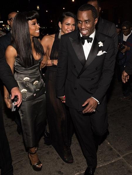 P.Diddy nắm tay bạn gái tới dự bữa tiệc riêng tư của Rihanna