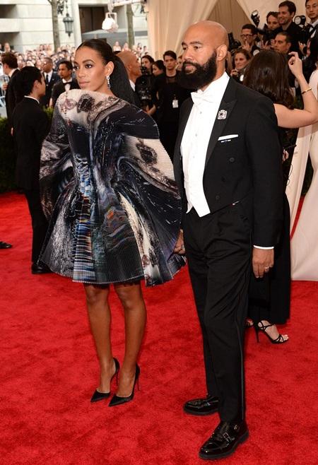 Em gái của Beyoncé Knowles - Solange Knowles cũng tới dự với chồng mới cưới.