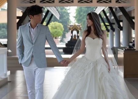 Mỹ nhân U50 Y Năng Tịnh làm đám cưới với bạn trai kém 10 tuổi