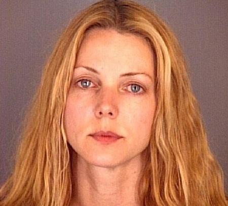 Bà Christina Sandera từng bị chồng cũ tố cáo là kẻ đào mỏ và bạo lực.