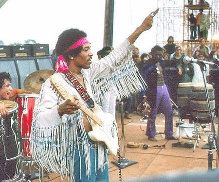 Jimi Hendrix là nghệ sĩ nhận mức cát-sê cao nhất tại đại nhạc hội Woodstock - 18 nghìn USD.
