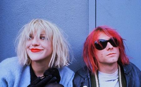 Courtney Love và Kurt Cobain từng có mối quan hệ và cuộc hôn nhân quằn quại.