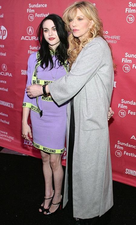 Courtney Love và con gái Frances tại buổi ra mắt bộ phim hoạt hình về Kurt Cobain tháng 1/2015.