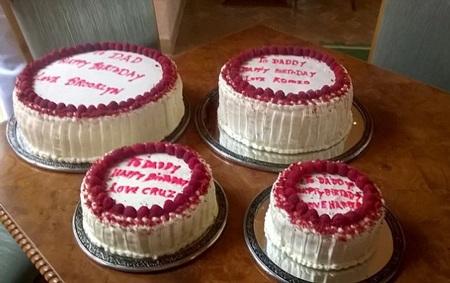 Bốn chiếc bánh sinh nhật của bốn đứa con dành cho David Beckham