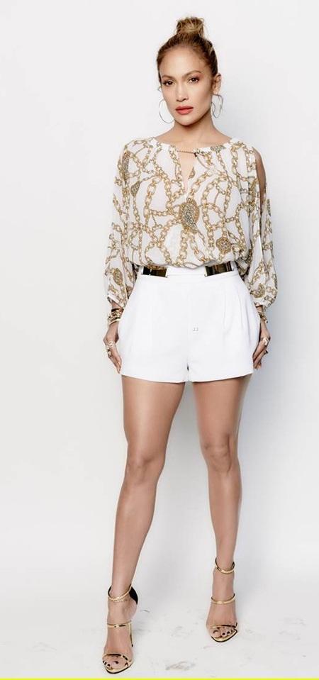 Ở tuổi 45, Jennifer Lopez vẫn trẻ đẹp và hấp dẫn đáng ngưỡng mộ!