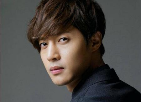 Nam diễn viên xứ Hàn Kim Hyun Joong