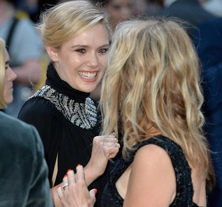 Nữ diễn viên Elizabeth rạng ngời khi được góp mặt trong một siêu phẩm của Hollywood hè 2015.
