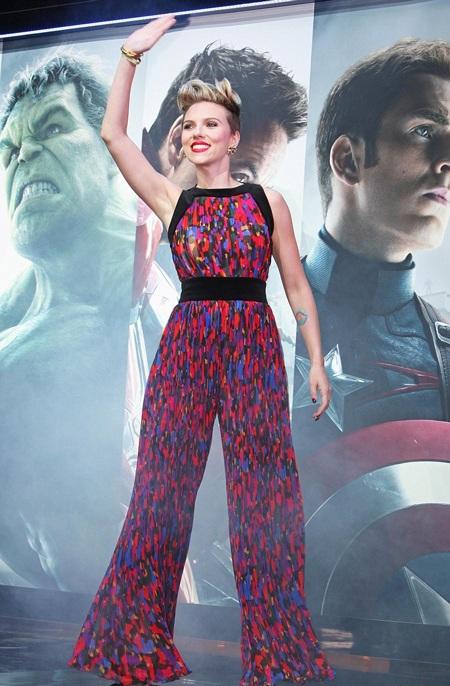 Mỹ nhân gợi tình duyên dáng trong ngày ra mắt Biệt đội siêu anh hùng