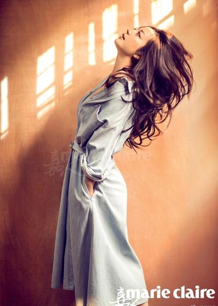 Những hình ảnh gợi cảm và táo bạo lạ mắt của Triệu Vy trên tạp chí Marie Claire.