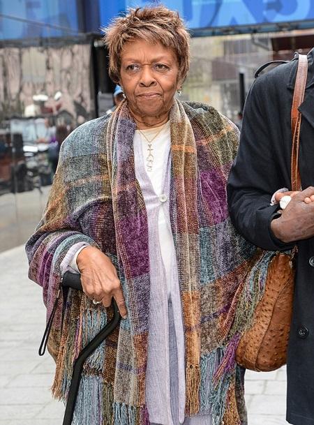 Tình trạng của con gái Whitney Houston không có tiến triển